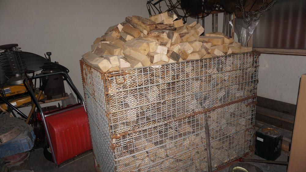 乾燥した薪